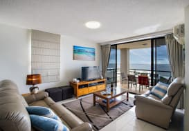Kings-Beach-Accommodation-1