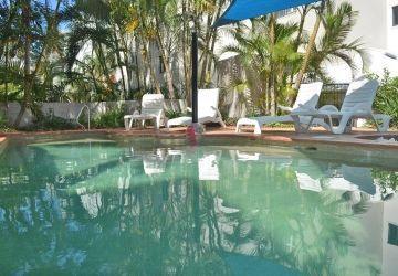 Caloundra-Resort-Pool2